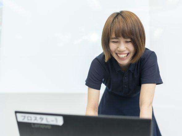 新しいスタッフがすぐに仕事を始めてもらえ、インターン生が指導役になれています。